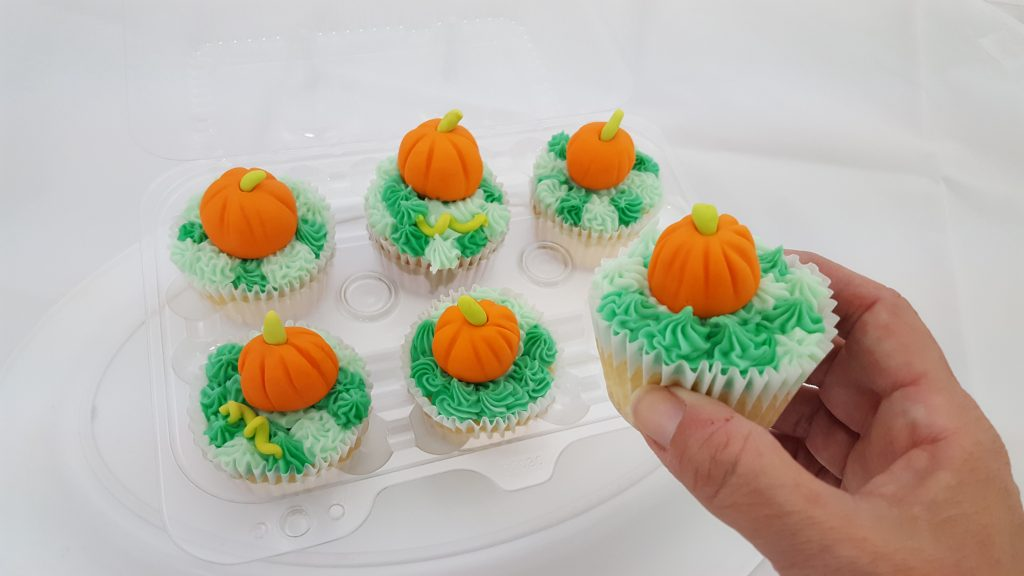 cupcakes, fondant, pumpkins, Fall, autumn, baking, supplies